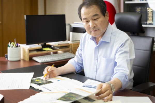 김충섭 김천시장2.jpg