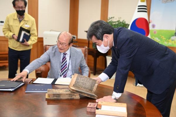 김천시, 도 문화재 지정서 전달식 가져-문화홍보실(사진1).jpg