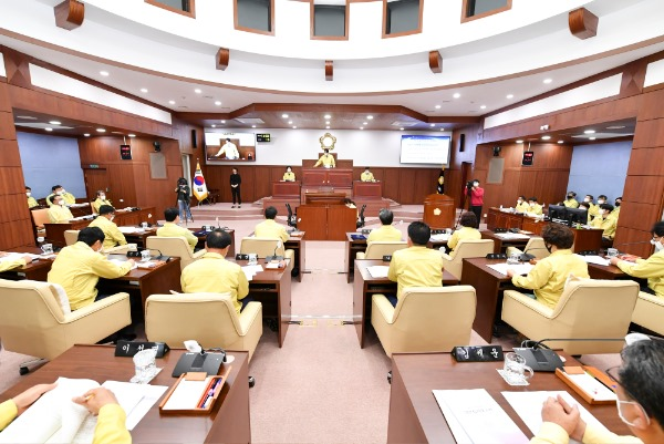 2021-05-12 제221회 임시회폐회2.JPG